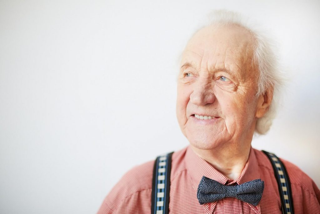 您有缺牙困擾嗎 台南植牙專家 黃宗偉牙醫 讓您的退休生活更健康 享受美食沒煩惱